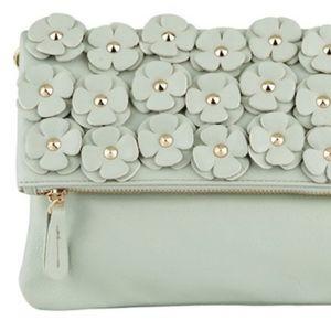 🌼 NWOT Aldo mint floral clutch/purse
